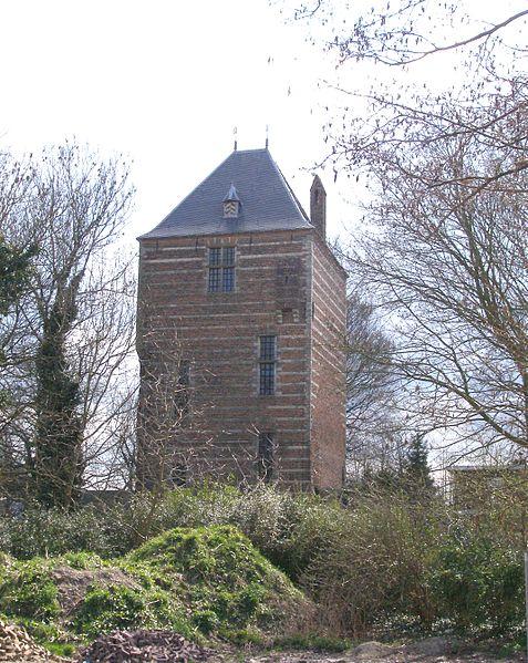 De enige toren die nog overeind staat in IJsselstein