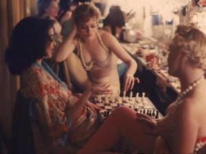 Zoals een te meer bleek, zijn schakers de slechtst geklede mensen van het oostelijk halfrond. Ook van het westelijk trouwens.