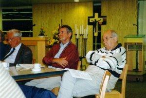 De ge?nspireerde aanwezigen. Derde van links is de heer J.C.