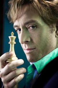 Shawn Doyle als de briljante schaker Arkady Balagan
