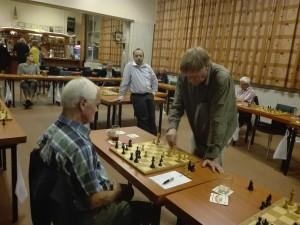 Jaap maakt een rondje, terwijl Marcel even bijkomt. Pieter haalde het niet tegen de heren.