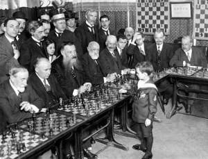 Reshevsky geeft simultaan op zijn achtste
