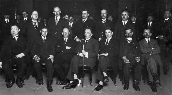 massakampscuvas1925bestuur