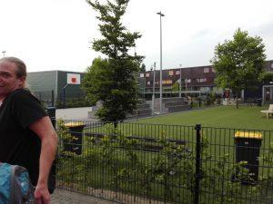 Bronzen medaillewinnaar Gerben Veltkamp probeert aan de fotograaf te ontkomen.